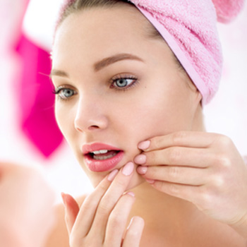 Treatment options to reduce acne scars